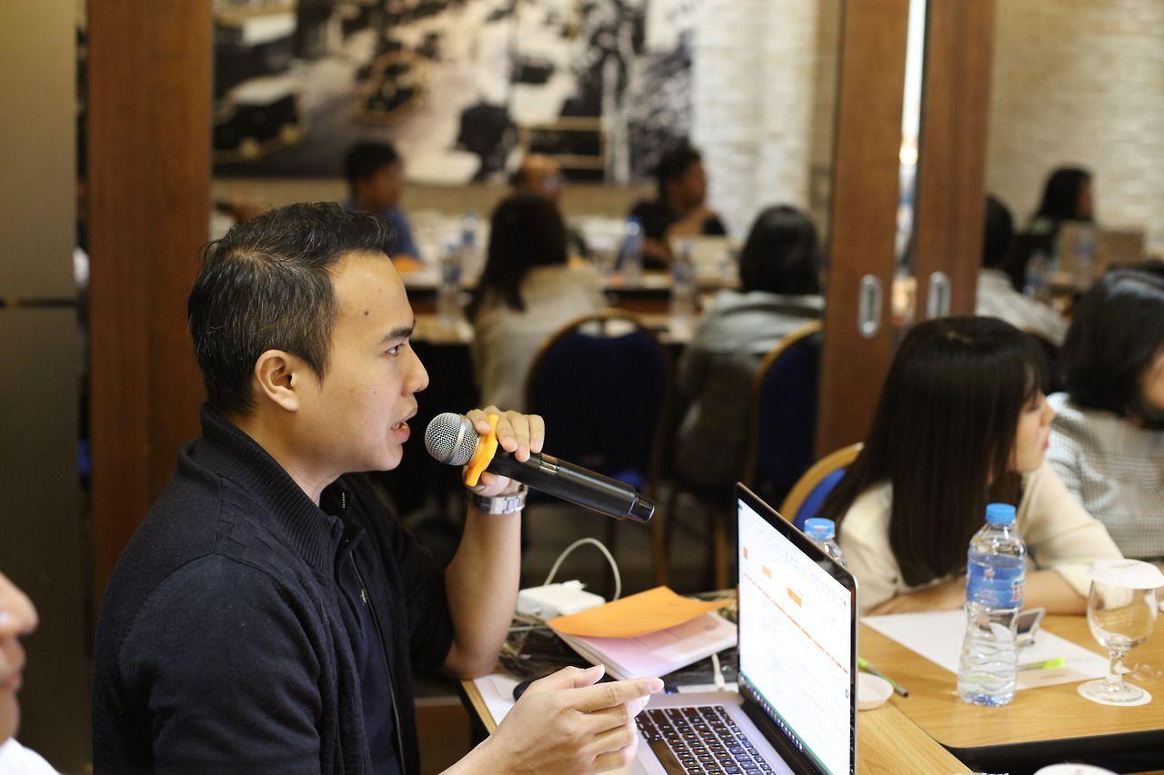 Tessar Napitupulu sebagai Narasumber di Acara Bekraf - Pengumpulan Data Penyusunan Buku Panduan Pendirian Usaha