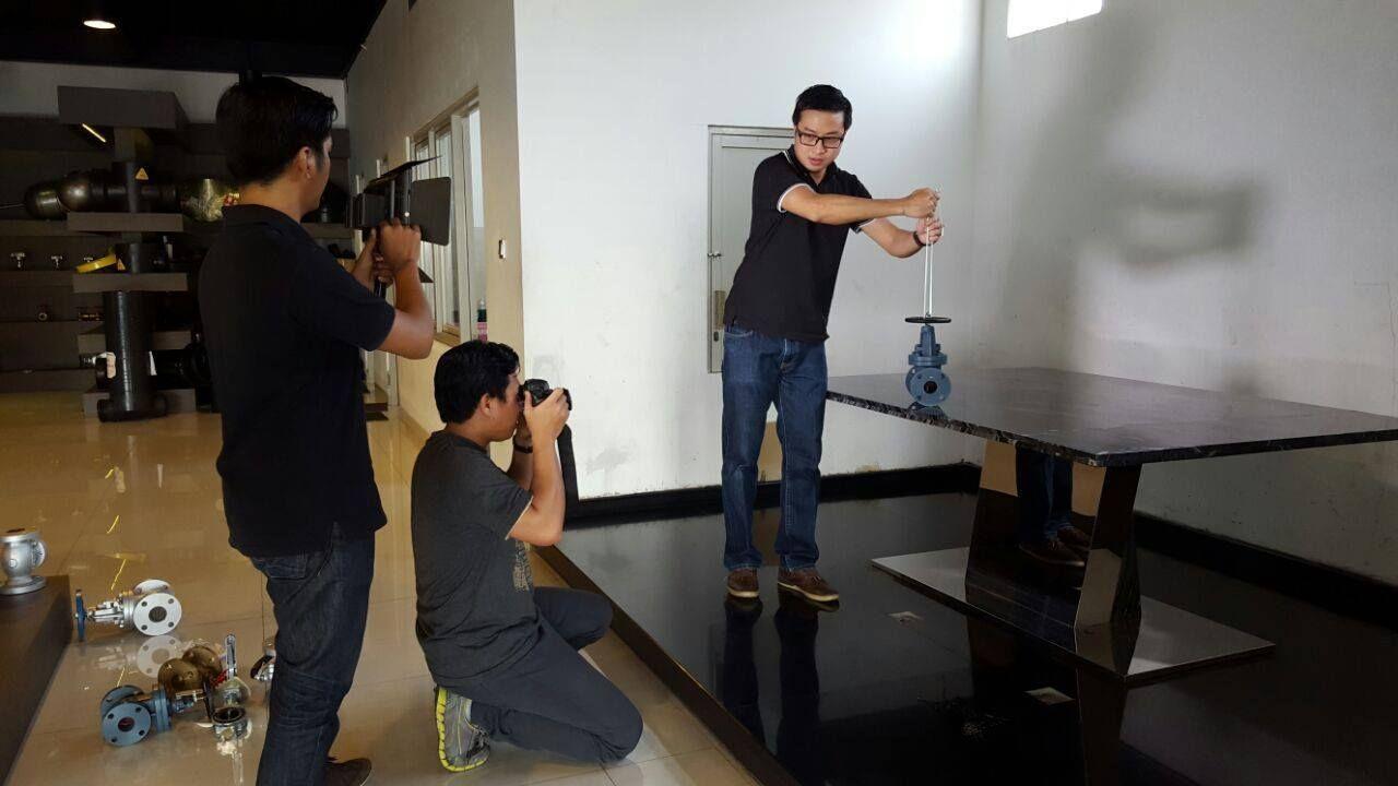 Behind the scene photoshot untuk pembuatan website PT. Onda Mega Industri