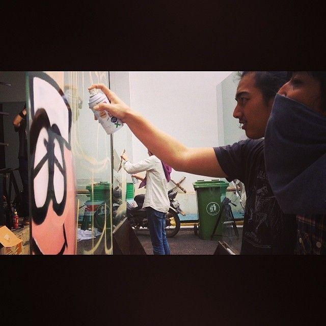 Pembuatan Graffiti Untuk Lomba Ace Hardware